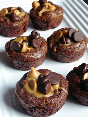 Do you love chocolate? Especially brownies?  You will love these 5 Irresistible Brownie Recipes. Great ways to spice up a simple box brownie mix!